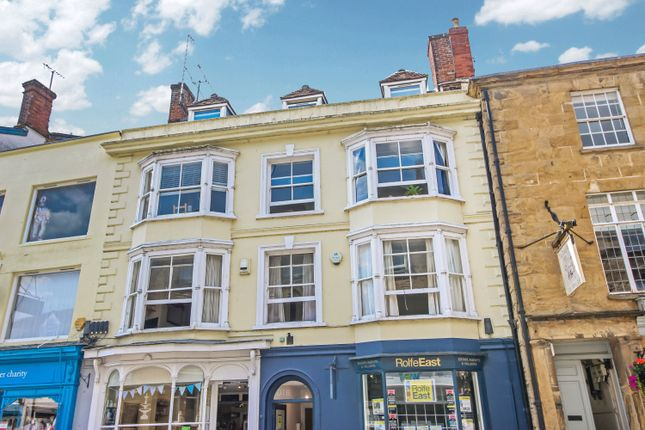 2 bed flat to rent in Cheap Street, Sherborne, Dorset DT9