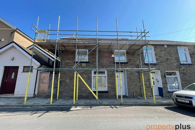 4 bed end terrace house to rent in Fountain Street, Ferndale -, Ferndale CF43