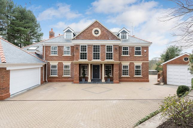 Thumbnail Detached house to rent in Heybridge Lane, Prestbury, Macclesfield