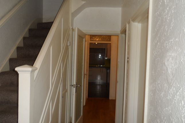 Thumbnail Terraced house to rent in The Circle, Neasden