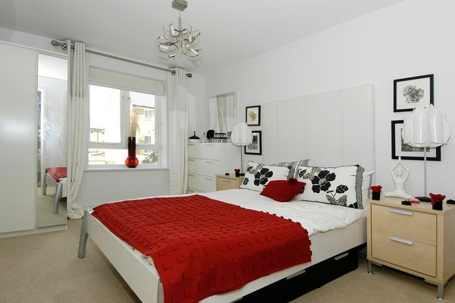 Thumbnail Flat to rent in Ovaltine Court, Kings Langley, Hertfordshire