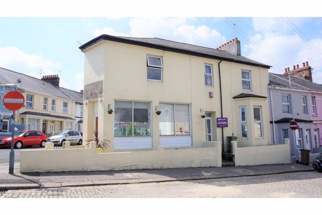 Thumbnail Semi-detached house for sale in Oakfield Terrace Road, Plymouth