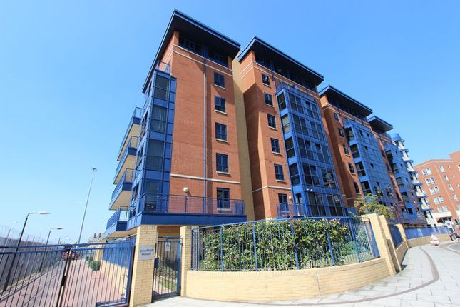2 bed flat for sale in Canute Road, Ocean Village, Southampton