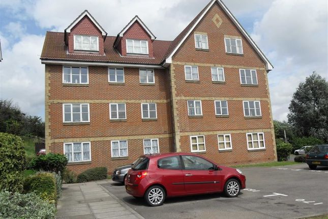 Thumbnail Flat to rent in Canada Road, Erith, Kent