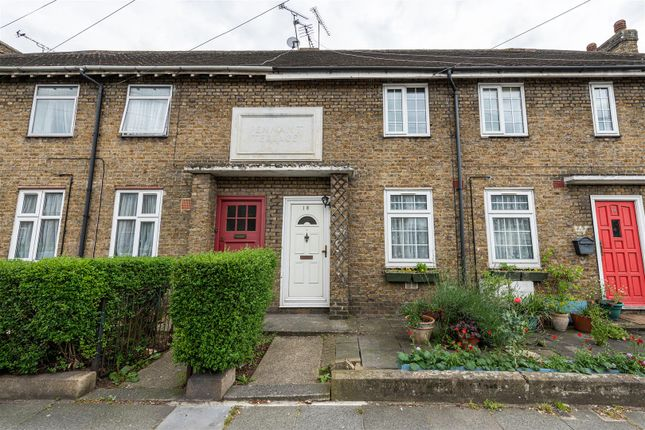 Thumbnail Flat for sale in Pennant Terrace, London