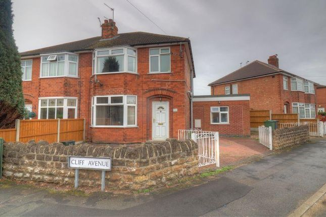 4 bed semi-detached house to rent in Cliff Avenue, Loughborough LE11