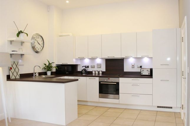 2 bed flat to rent in Ormond House, Wantage, Oxfordshire