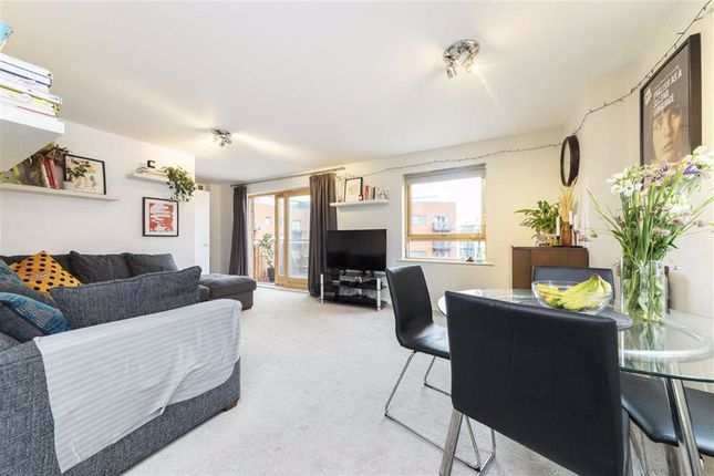 2 bed flat for sale in Cam Road, London E15