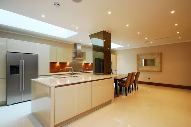 Thumbnail Property to rent in Queensberry Place, South Kensington