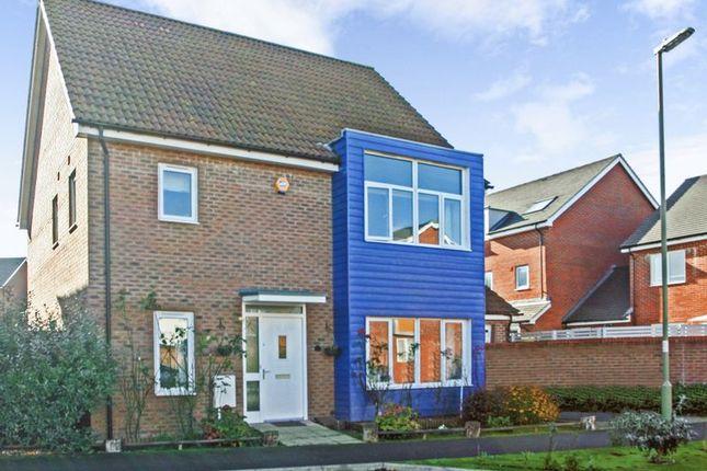 5 bed detached house for sale in Edmund Court, Basingstoke