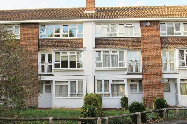 3 bed maisonette to rent in Denmark Gardens, Carshalton, Surrey SM5