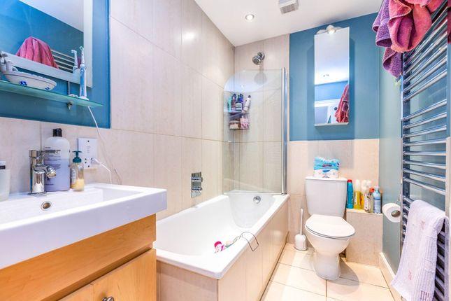 Bathroom of Park Avenue, London N22