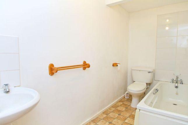Bathroom of Crescent Road, Shanklin PO37
