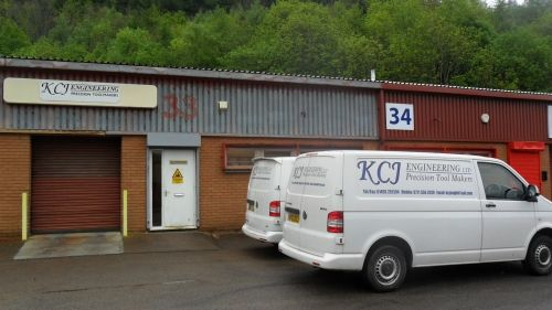Thumbnail Commercial property for sale in Cwmfelinfach Ynysddu, Northumberland