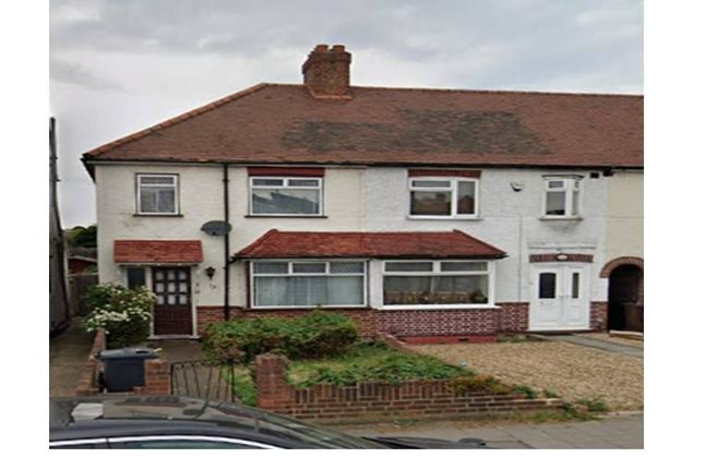 Thumbnail Terraced house to rent in Twickenham Road, Isleworth