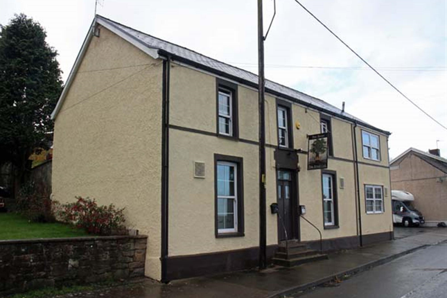 Thumbnail Pub/bar for sale in Mid Glamorgan CF33, Kenfig Hill, Mid Glamorgan