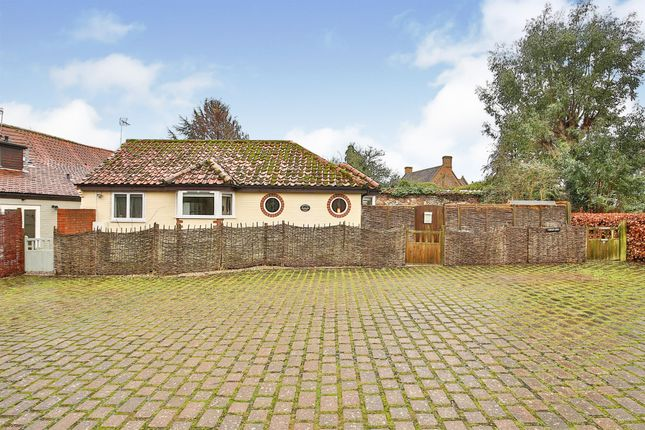 2 bed detached house for sale in The Green, South Creake, Fakenham NR21