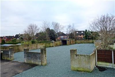 Land to let in Compound, Rhosnesni Lane, Wrexham, Wrexham