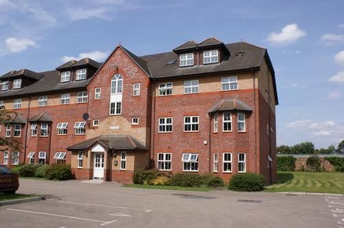 Henley House, The Spinnakers L19