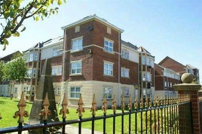 3 bed flat to rent in Victoria Court, Sunderland SR2