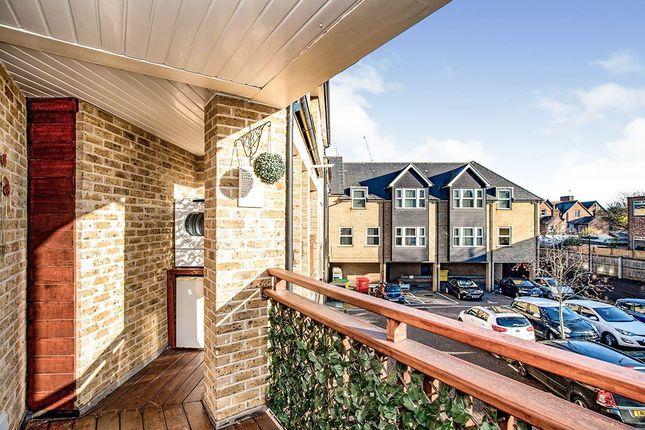 Balcony of Manila House, Sealy Way, Apsley, Hemel Hempstead, Hertfordshire HP3