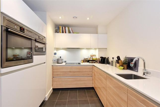 1 bed flat for sale in Peartree Way, London SE10