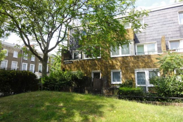 2 bed flat to rent in Harewood Avenue, London
