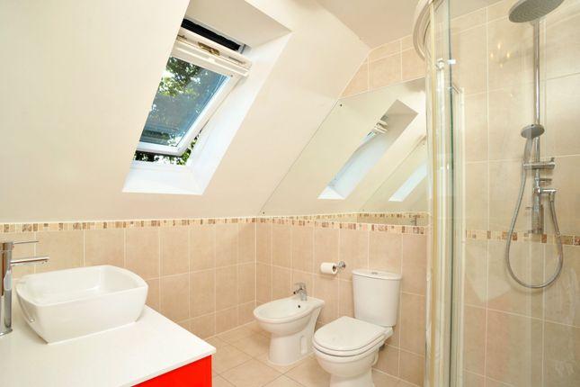 Modern En-Suite of Broadclyst, Exeter EX5