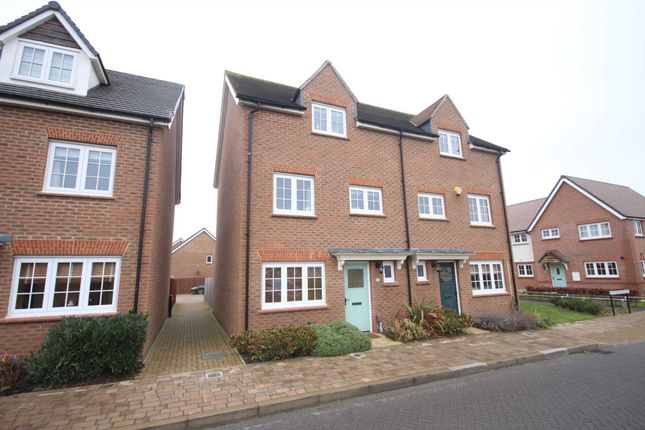 Thumbnail Semi-detached house to rent in Fulmar Crescent, Bracknell