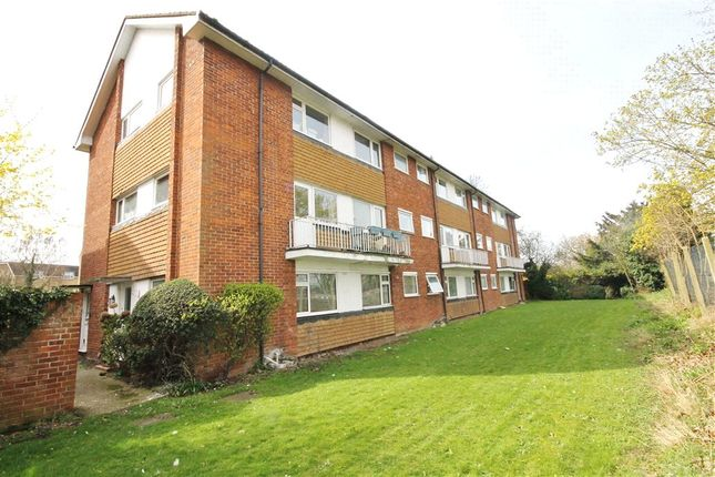 Thumbnail Maisonette to rent in Mandeville Court, Egham