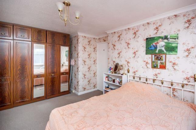 Bedroom 1 of Caws Avenue, Seaview PO34