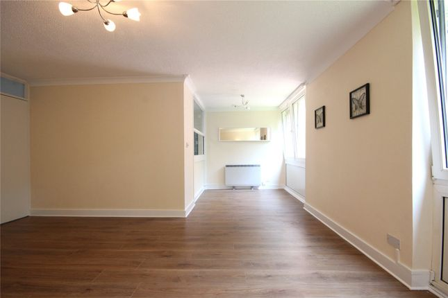 2 bed flat to rent in Westacre Close, Westbury On Trym, Bristol