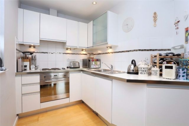 Thumbnail Flat to rent in Harberson Road, Balham