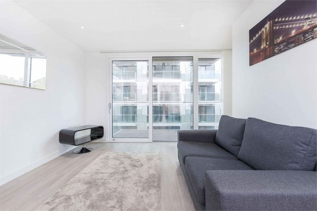 Flat To In City View Apartments Devan Grove London