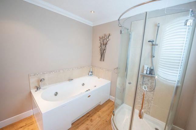 En-Suite of Medland, Woughton Park, Milton Keynes MK6
