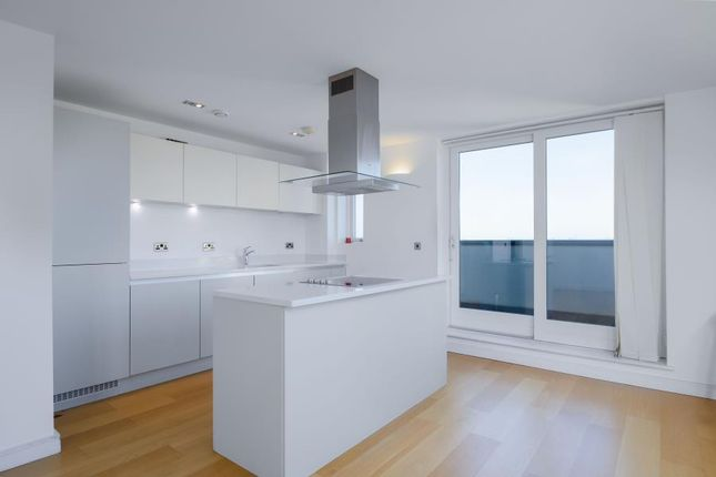 Thumbnail Flat to rent in Ellington House, Woolwich