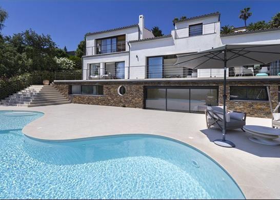 Thumbnail Detached house for sale in 83600 Les Adrets-De-L'estérel, France