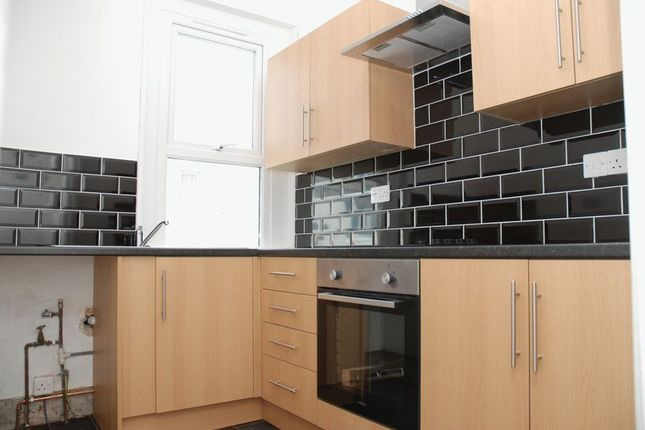 Thumbnail Flat to rent in South View Terrace, Plymouth