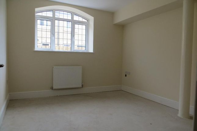 Thumbnail Flat for sale in Southcoates Avenue, Hull, East Yorkshire