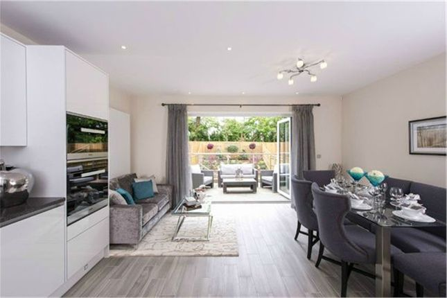 Thumbnail Town house for sale in Maple Grove, Ridgemount Gardens, Enfield, Greater London