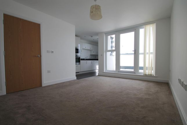 Thumbnail Flat to rent in 1 The Waterfront, Goring-By-Sea, Worthing