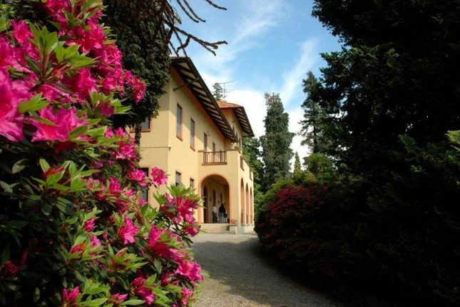Thumbnail Hotel/guest house for sale in Fioli Te, Italy