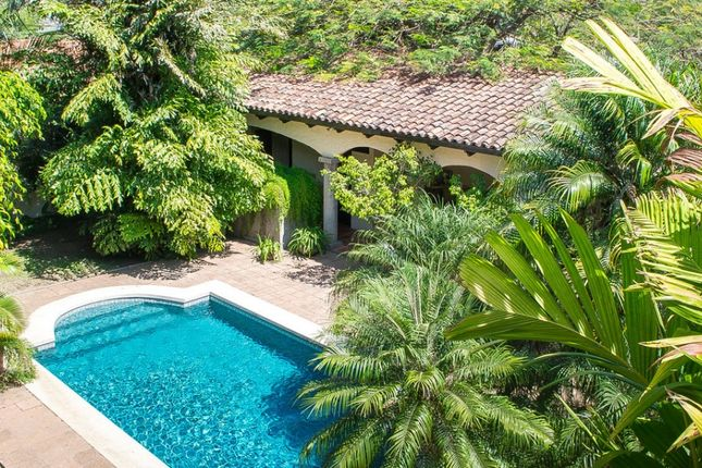 4 bed detached house for sale in Laureles, Costa Rica