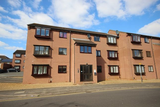 2 bed flat to rent in 2 Howard Court Mill Road, Wellingborough, Northamptonshire. NN8