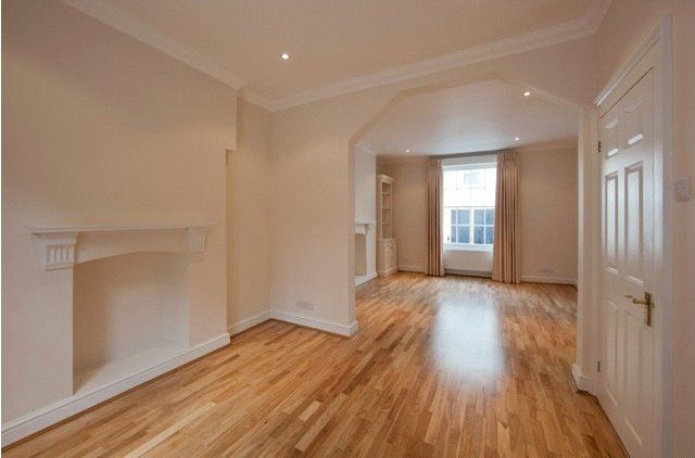 Thumbnail Property for sale in Ivor Place, London