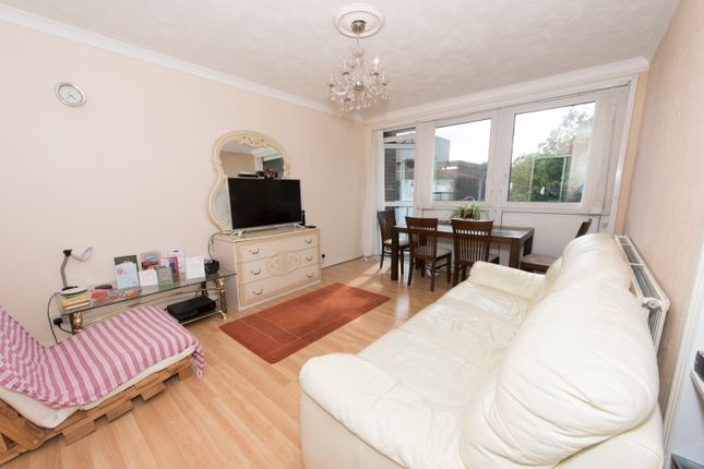 Thumbnail Flat to rent in Comber Grove, Camberwell