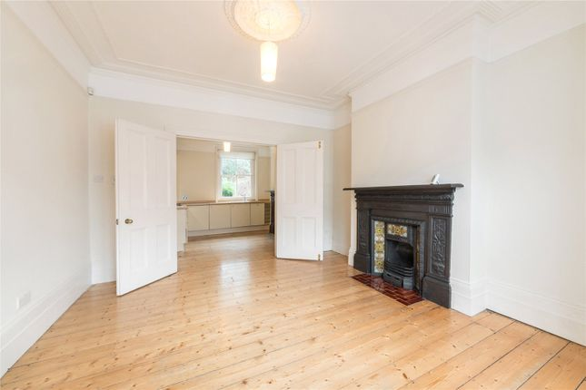 Flat for sale in Framfield Road, Highbury, London