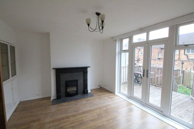 Thumbnail Flat to rent in Toppham Road, Sheffield