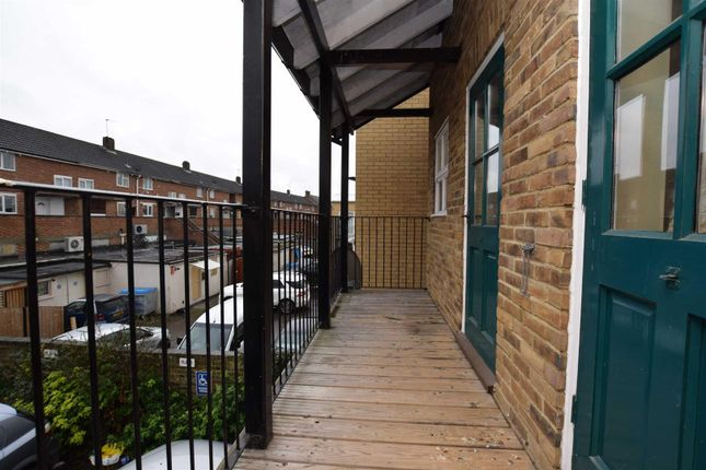 Thumbnail Flat to rent in High Street, Cheshunt, Waltham Cross