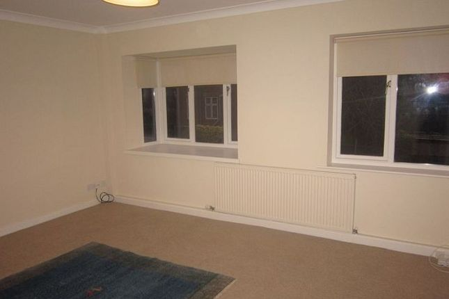 Thumbnail Flat to rent in Axholme Court, Doncaster